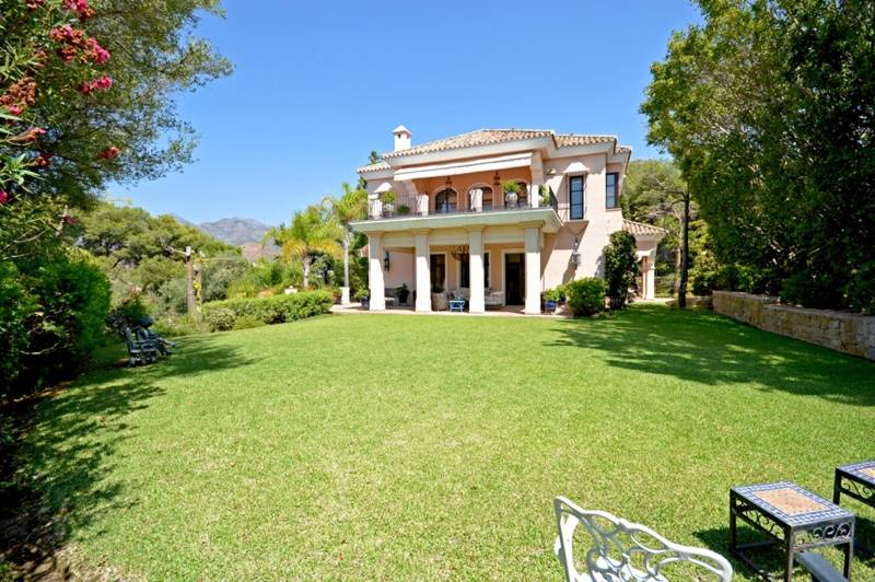 Luxury Rio Real Villa for Sale – 3,200,000 euros