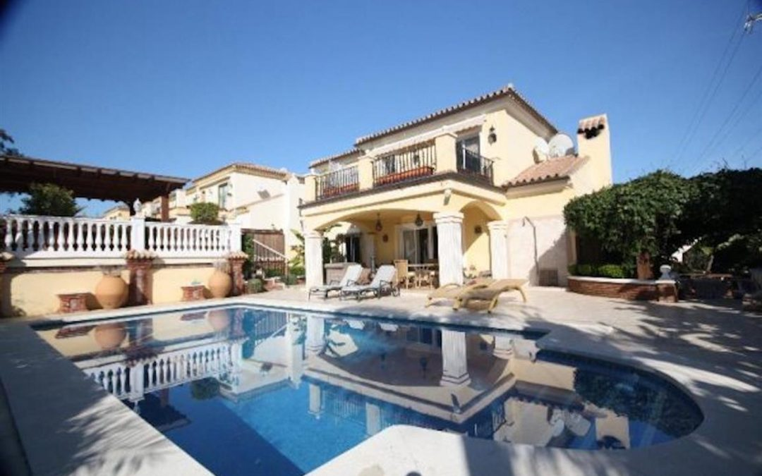 4 bedroom detached villa for long term rental